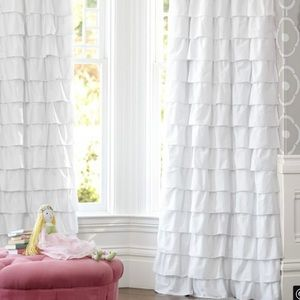 🎉SOLD🎉POTTERY BARN White Ruffle Voile Curtain